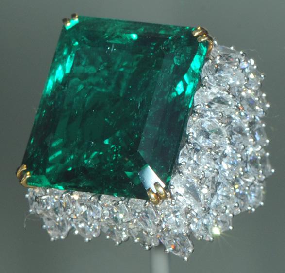 Resultado de imagen para enorme depósito diamantes